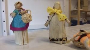 Réalisation de poupées de maïs par Léa