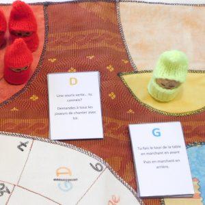 les lutins sont prêts. Les cartes Défis et Gages sont en place.