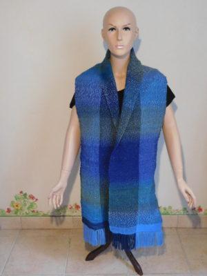 Echarpe tissage en dégradé de bleus lonue